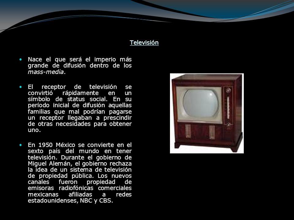 El 31 de Agosto se inaugura el primer canal de televisión comercial en México y América Latina: XHTV canal 4 del concesionario O´Farril, en 1950.