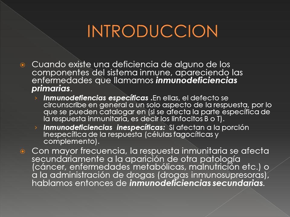 El individuo queda inmunizado al suministrarle en una inyección un preparado llamado VACUNA, que contiene antígenos.