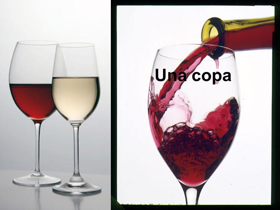 una botella un vaso