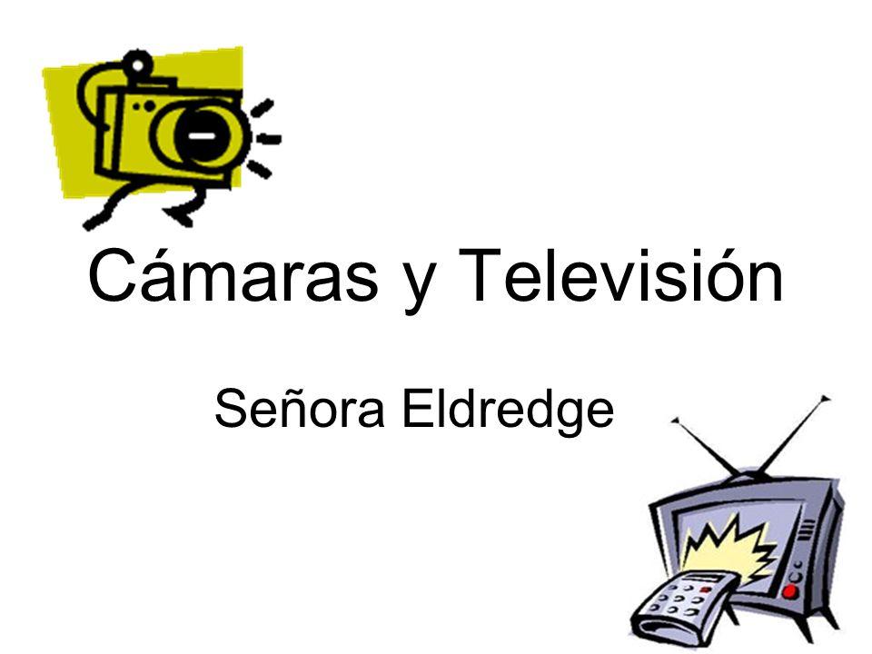To talk about television shows Priscila: Carolina, por favor cambia el canal al doscientos treinta y tres.