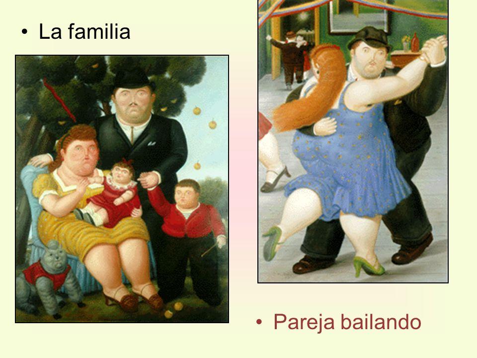 La familia Pareja bailando
