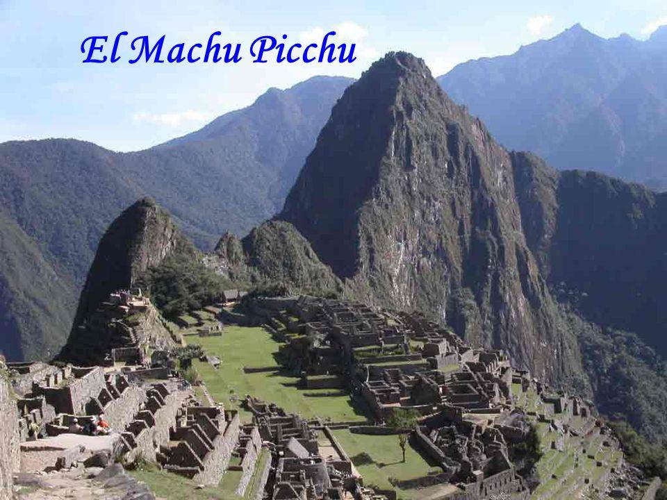Mucho tiempo después de Babilonia, La Gran Muralla, Las Pirámides... Los hombres fueron a instalarse en un lugar alto, colgado, casi inaccesible… Los