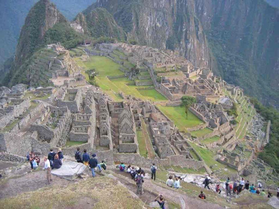 Moneda La moneda que se maneja es el Peso Mexicano, igualmente en algunos lugares se acepta el dólar estadounidense.