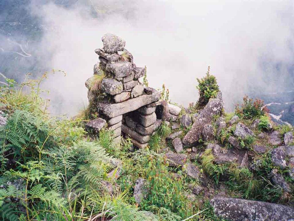 Historia El nombre de Chichén-Itzá tiene raíz maya y significa en la orilla del pozo de los itzáes .