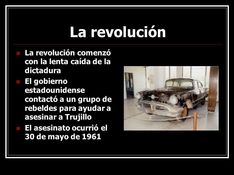 La revolución La revolución comenzó con la lenta caída de la dictadura El gobierno estadounidense contactó a un grupo de rebeldes para ayudar a asesin