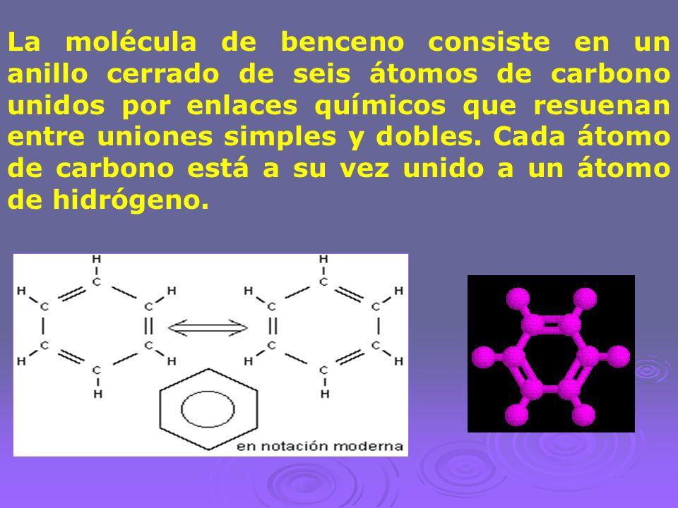 La molécula de benceno consiste en un anillo cerrado de seis átomos de carbono unidos por enlaces químicos que resuenan entre uniones simples y dobles