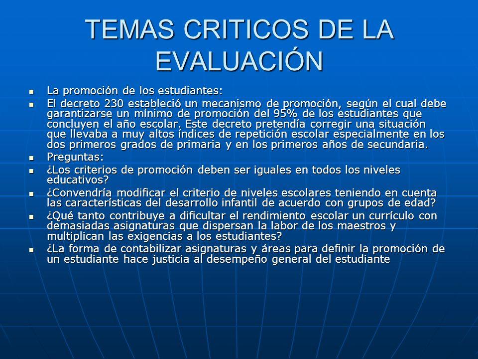 El sistema de calificación Desde hace más de una década se estableció la evaluación cualitativa, posteriormente se definió que la evaluación se debía hacer por logros, después se establecieron estándares y competencias.