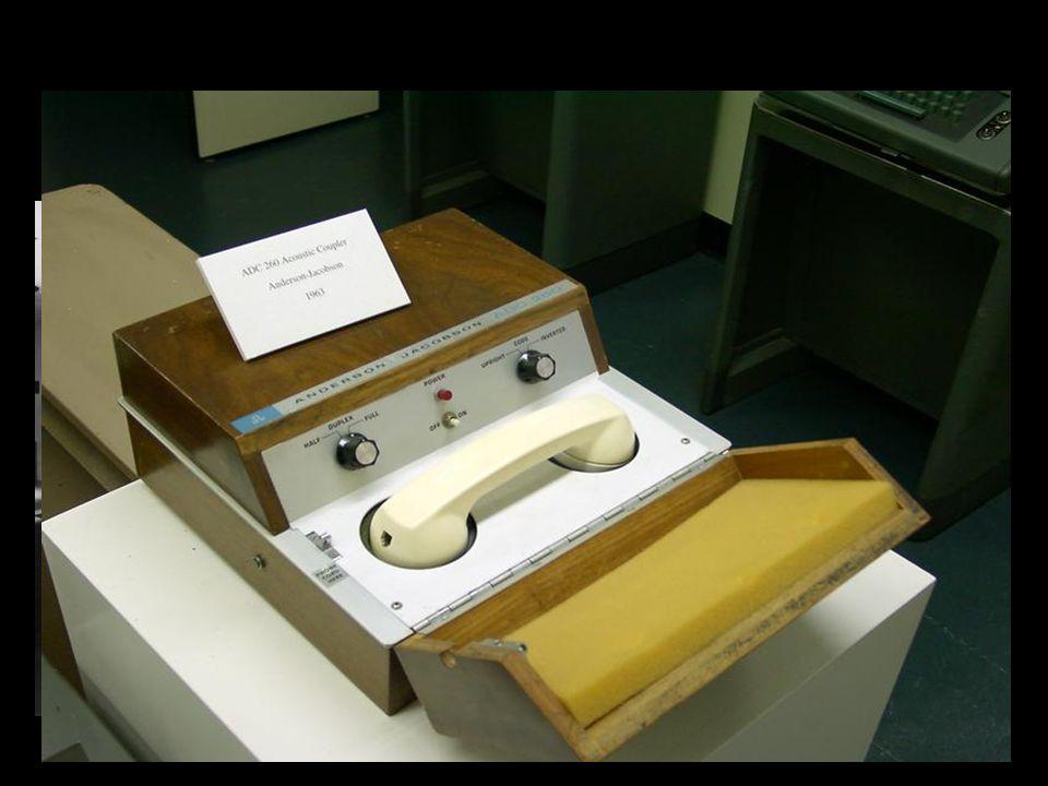 3ra.Generacion - 1964-1971: (Circuitos Integrados) Es introducida la tecnología integrada.