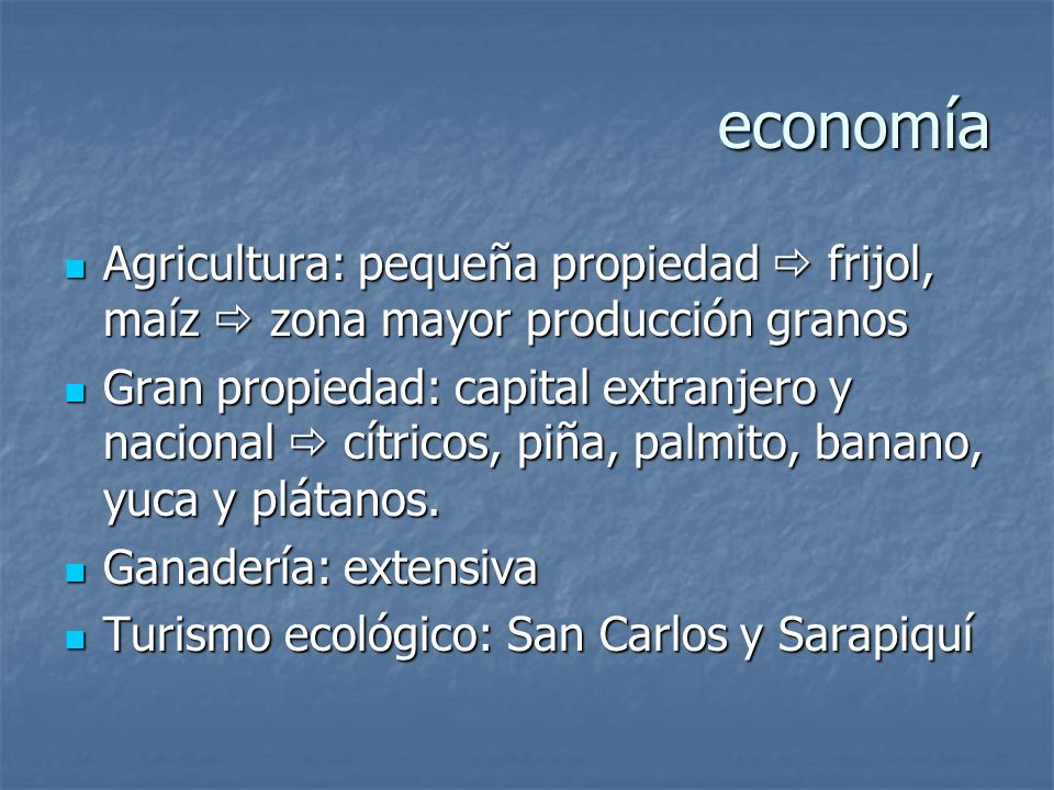 Región Huetar Norte Domina llanuras de los Guatusos, San Carlos y Sarapiquí Domina llanuras de los Guatusos, San Carlos y Sarapiquí Topografía plana o