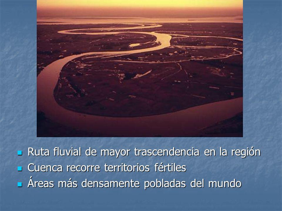 Ruta fluvial de mayor trascendencia en la región Ruta fluvial de mayor trascendencia en la región Cuenca recorre territorios fértiles Cuenca recorre t