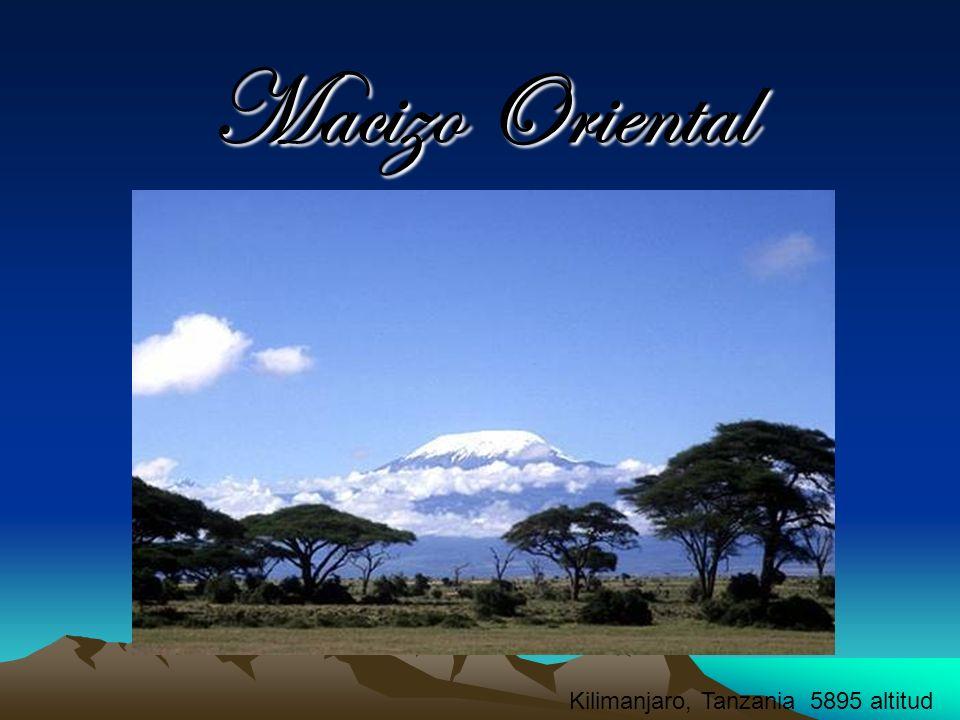Macizo Oriental Africano Kilimanjaro, Tanzania 5895 altitud