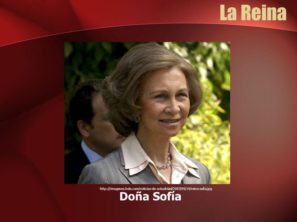 La Reina Doña Sofía http://imagenes.hola.com/noticias-de-actualidad/2007/09/19/reina-sofia.jpg