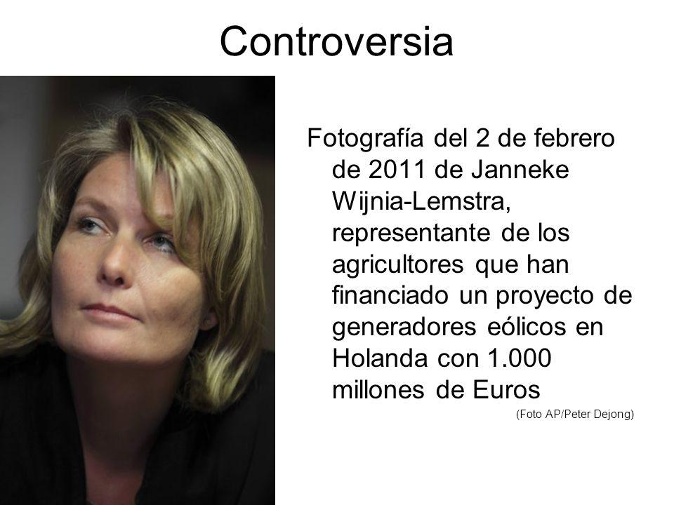 Controversia Fotografía del 2 de febrero de 2011 de Janneke Wijnia-Lemstra, representante de los agricultores que han financiado un proyecto de generadores eólicos en Holanda con 1.000 millones de Euros (Foto AP/Peter Dejong)