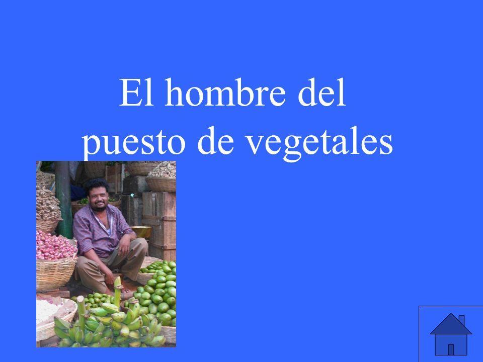 El hombre del puesto de vegetales