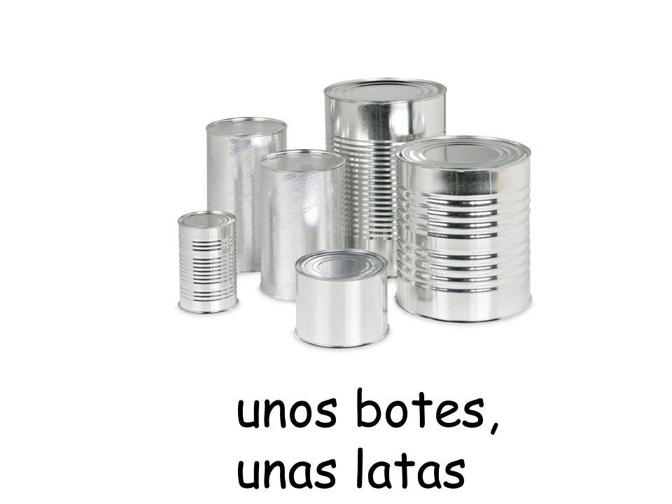 unos botes, unas latas