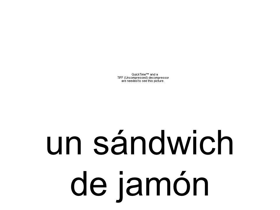 un sándwich de jamón