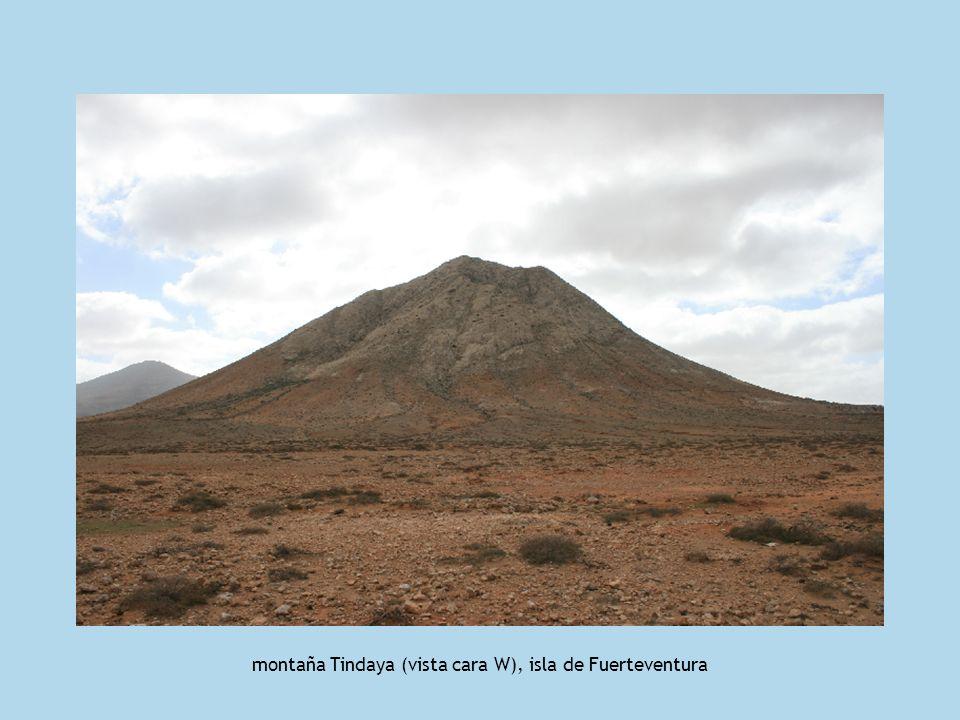 montaña Tindaya (vista cara W), isla de Fuerteventura
