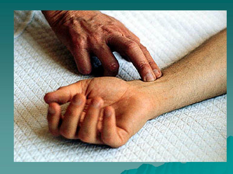 TECNICA: Paciente sentado o acostado por lo menos 5 minutos.