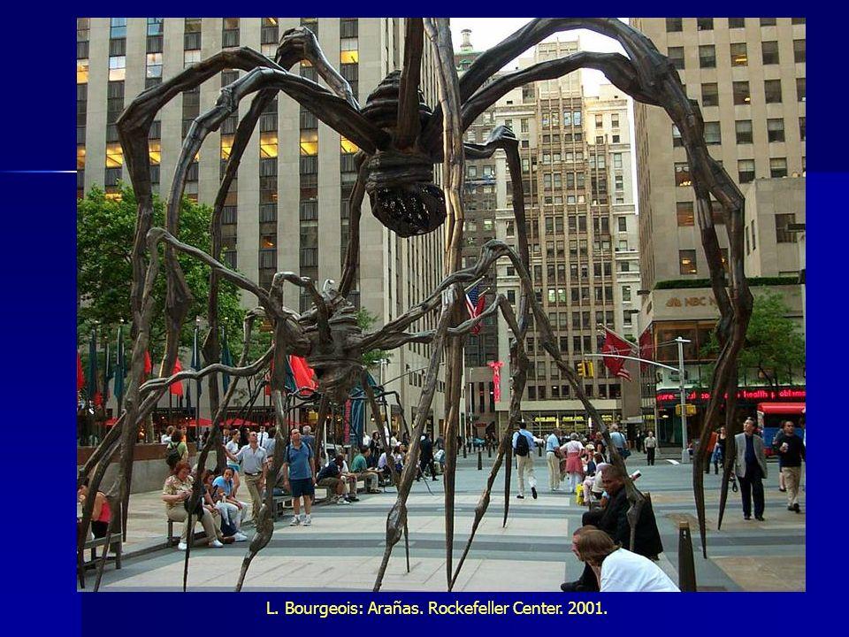 L. Bourgeois: Arañas. Rockefeller Center. 2001.