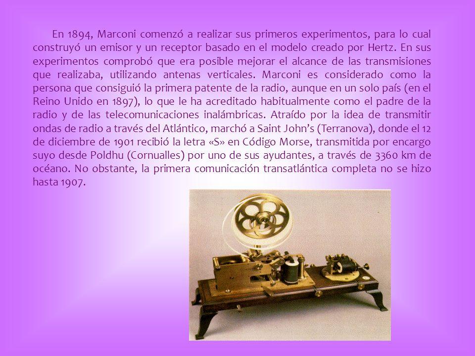 En 1894, Marconi comenzó a realizar sus primeros experimentos, para lo cual construyó un emisor y un receptor basado en el modelo creado por Hertz. En