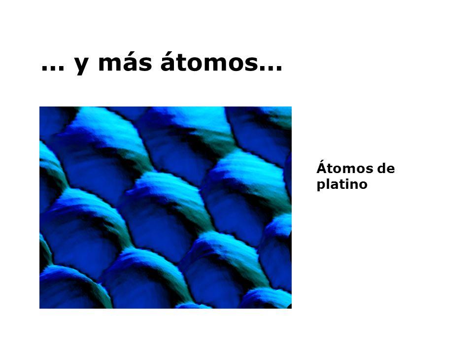 ...vemos átomos... Superficie de átomos de Níquel con un átomo de Xenón unido
