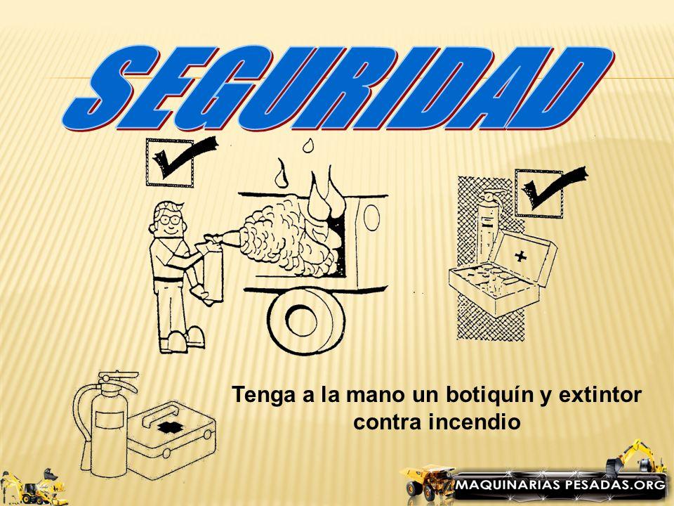 Siempre antes de arrancar la maquina toque el claxon y verifique no haya nadie en zonas de peligro.