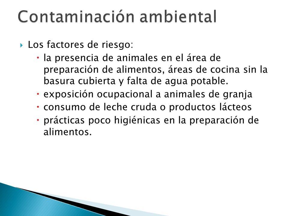 Los factores de riesgo: la presencia de animales en el área de preparación de alimentos, áreas de cocina sin la basura cubierta y falta de agua potabl