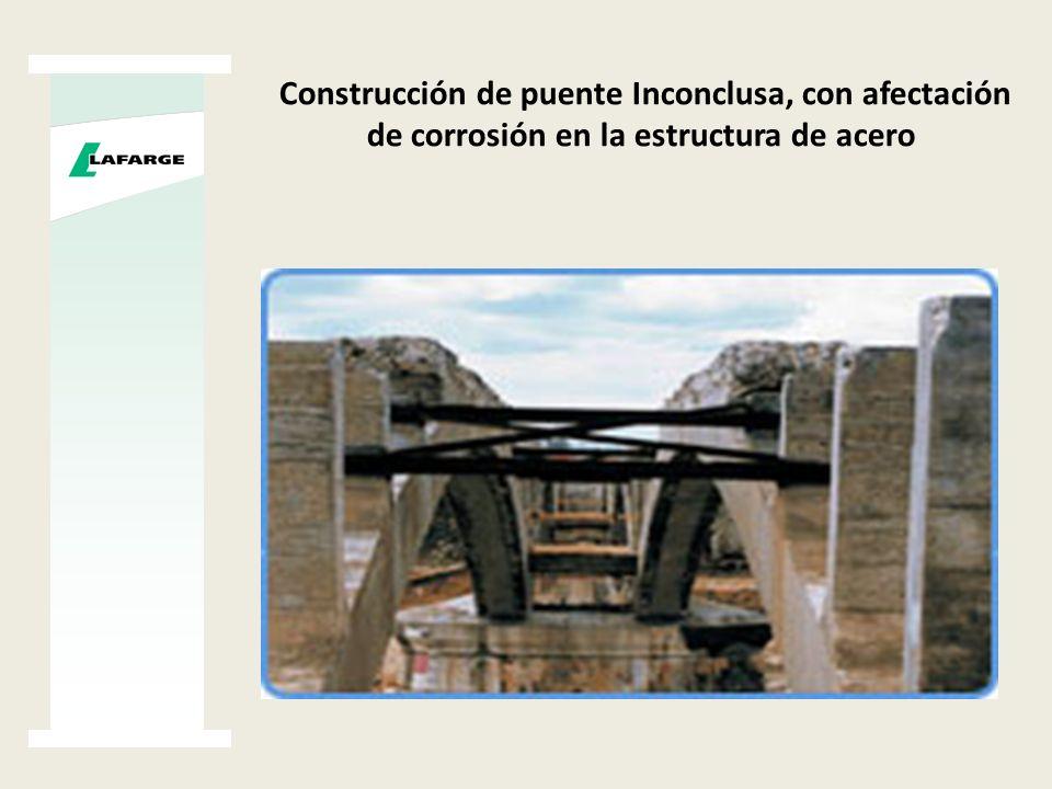 Elemento de concreto con demasiada porosidad, por falta de vibrado en su colocación.