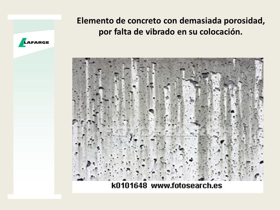 Agrietamiento en elemento de concreto, reduciendo vida útil proyectada ( Materiales Deleznables )