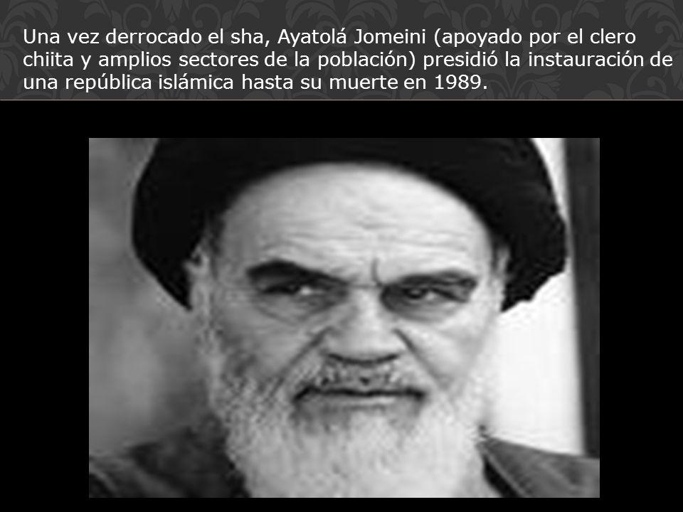 Una vez derrocado el sha, Ayatolá Jomeini (apoyado por el clero chiita y amplios sectores de la población) presidió la instauración de una república i