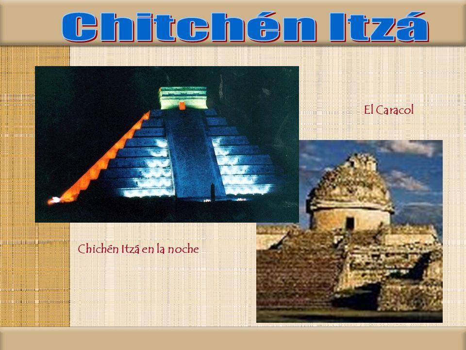 Chichén Itzá en la noche El Caracol