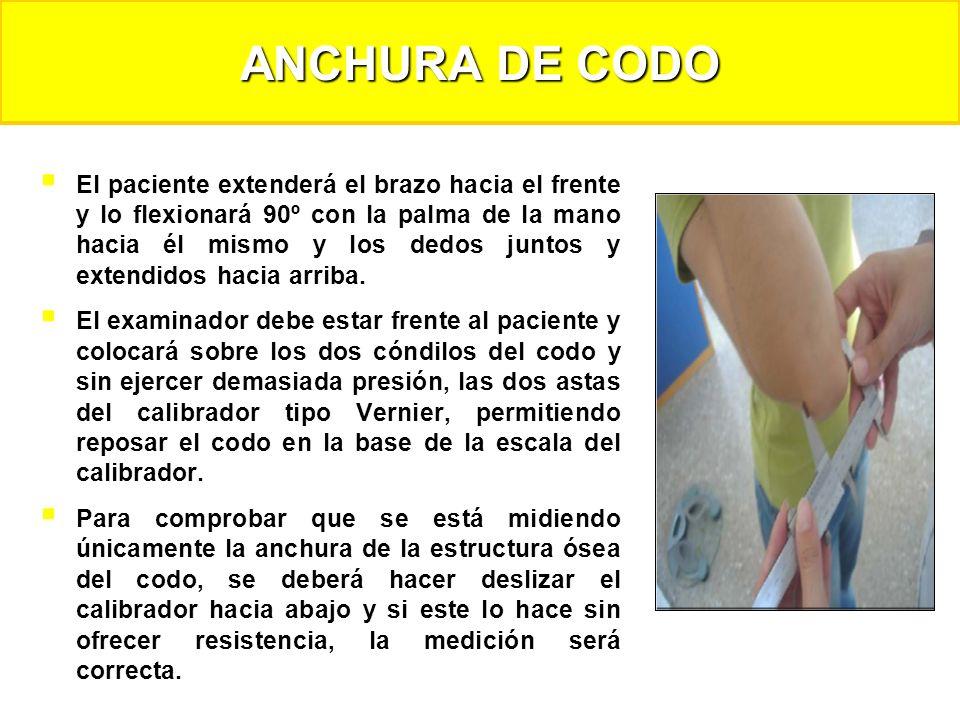 El paciente extenderá el brazo hacia el frente y lo flexionará 90º con la palma de la mano hacia él mismo y los dedos juntos y extendidos hacia arriba