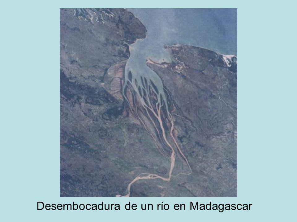 Desembocadura de un río en Madagascar