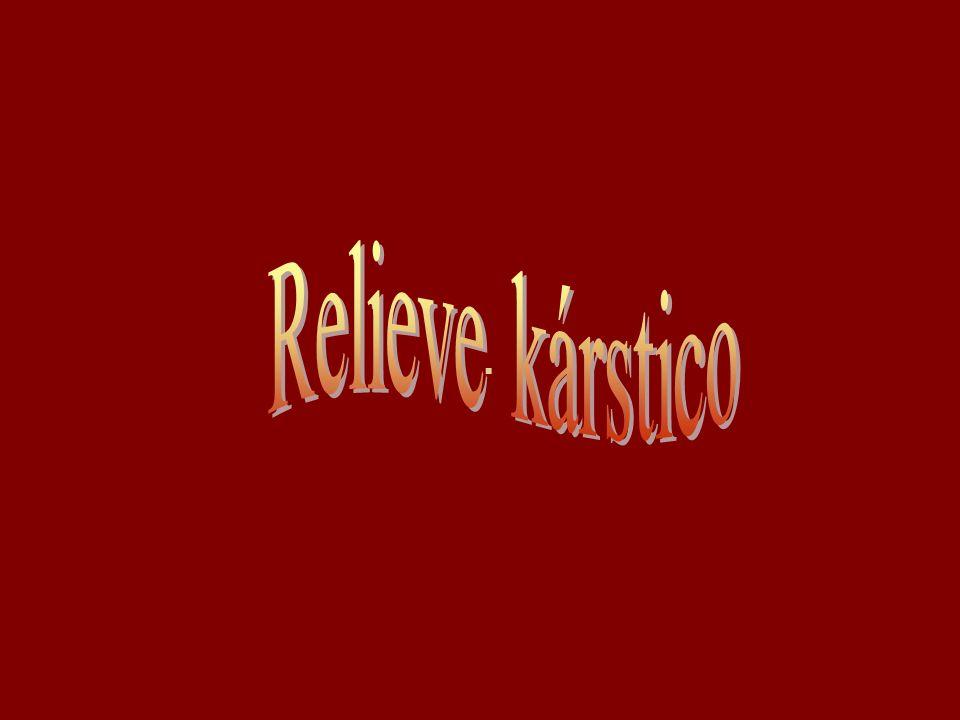 -El término kárstico procede de la región de Karst, en Eslovenia, donde se estudió inicialmente este tipo de modelado, que es muy frecuente en aquella zona.