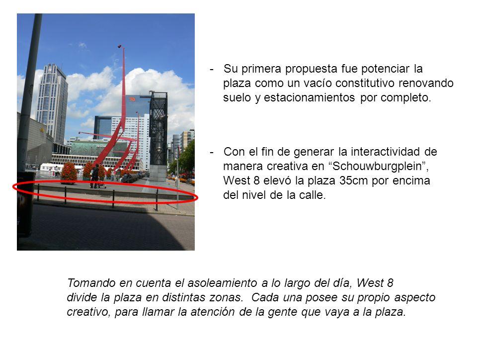 - Con el fin de generar la interactividad de manera creativa en Schouwburgplein, West 8 elevó la plaza 35cm por encima del nivel de la calle. Tomando