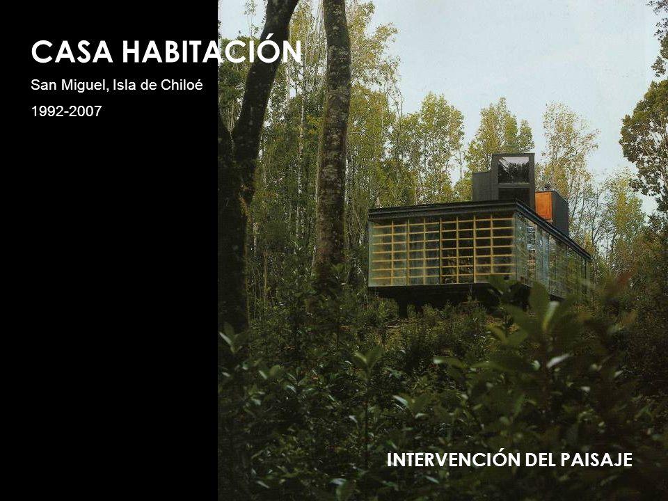 ELECCION TERRENO El óptimo funcionamiento de este proyecto se da en el terreno boscoso elegido, por ser un sector húmedo que facilita que sus fachadas de vidrio se empañen yendo de la mano con la idea de refugio.