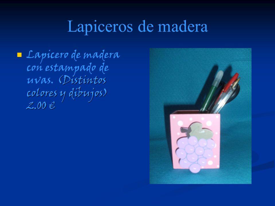 Lapiceros de madera (Distintos colores y dibujos) 2.00 Lapicero de madera con estampado de uvas. (Distintos colores y dibujos) 2.00
