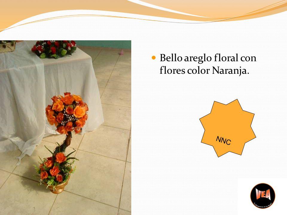 Bello areglo floral con flores color Naranja. NNC