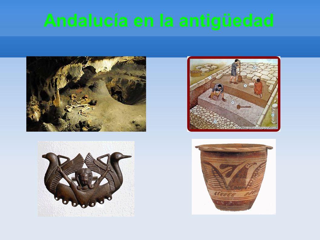 La edad del Cobre Apareció el vaso campaniforme Otra característica fue el megalitismo.
