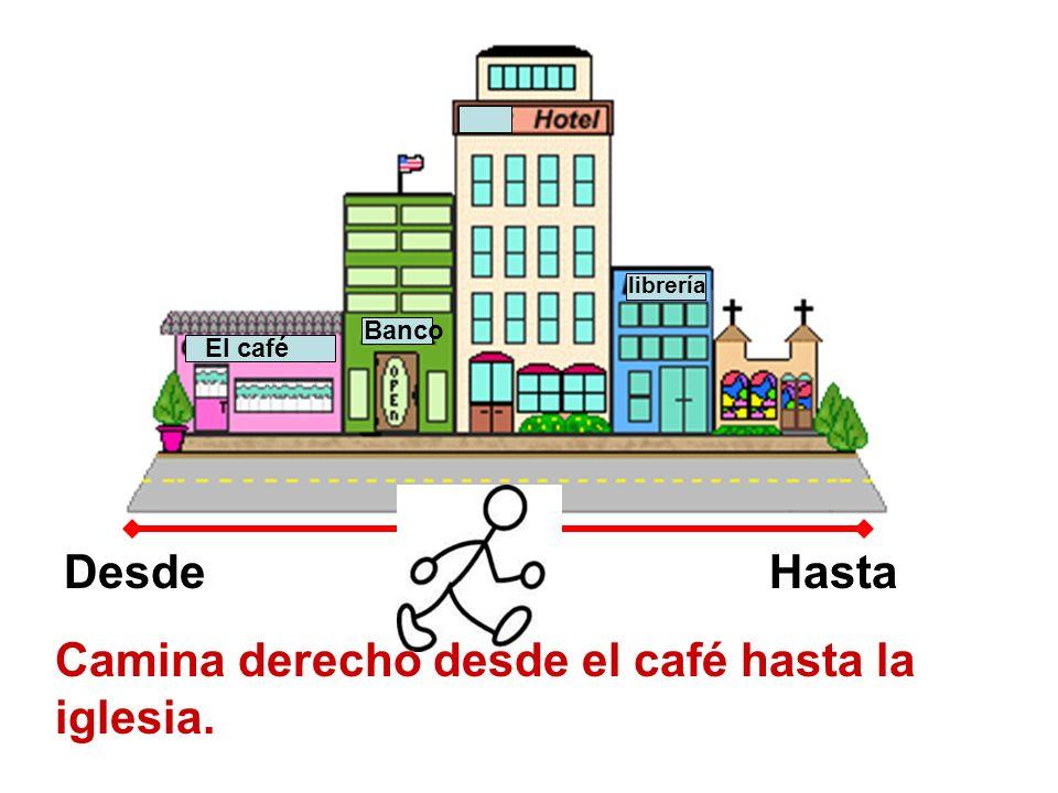 El café Banco librería DesdeHasta Camina derecho desde el café hasta la iglesia.