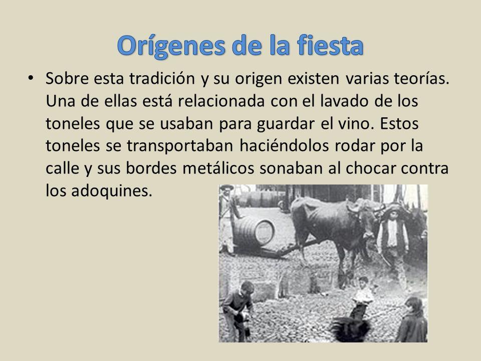 Sobre esta tradición y su origen existen varias teorías. Una de ellas está relacionada con el lavado de los toneles que se usaban para guardar el vino