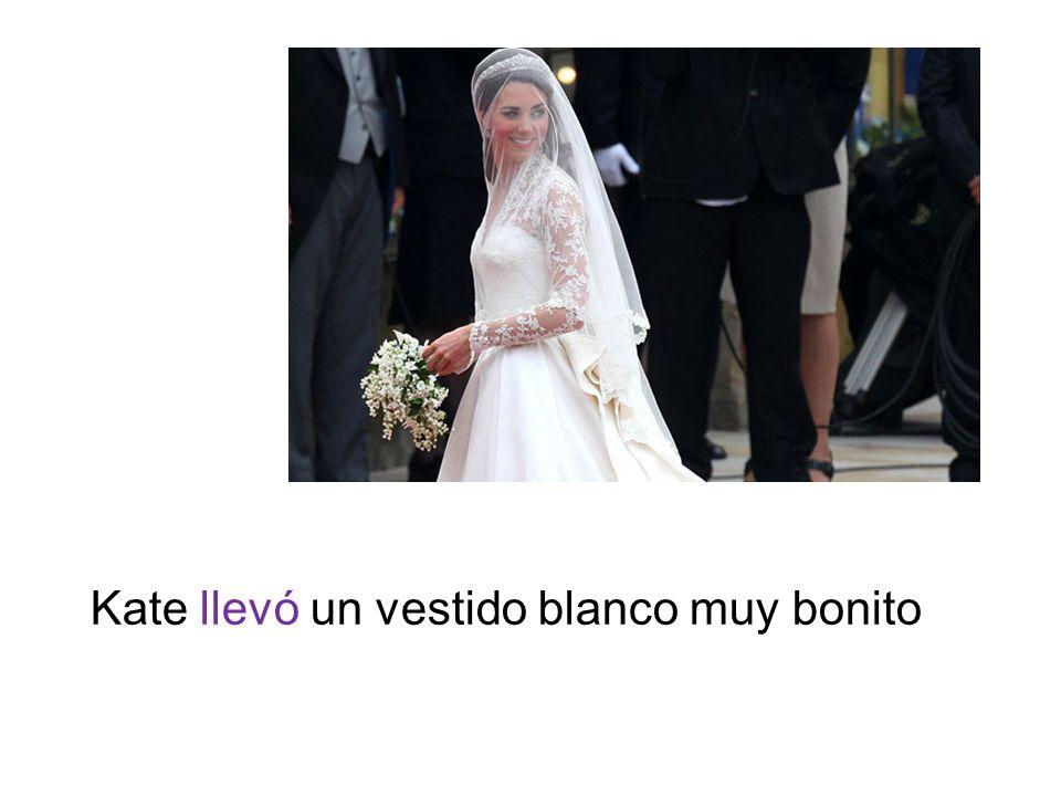 Kate llevó un vestido blanco muy bonito