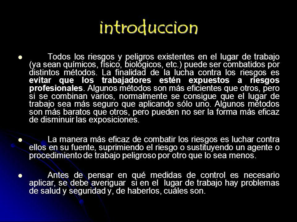 RIESGO DE TRABAJO: Son los accidentes y enfermedades a que esta expuesto el trabajador en ejercicio o con motivo del trabajo.
