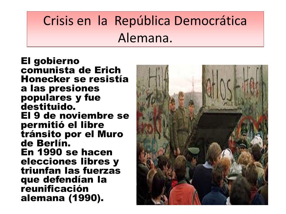 El gobierno comunista de Erich Honecker se resistía a las presiones populares y fue destituido.