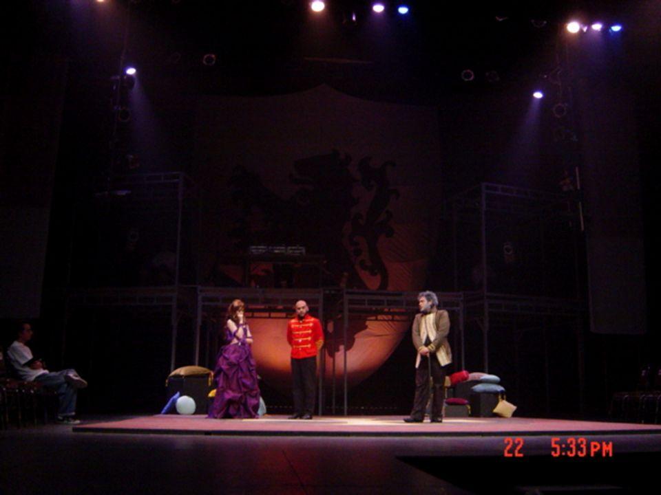 Escenografía eclécticaal -AI AIRE LIBRE- Escenografía para Medea y Edipo para el Teatro Griego de Siracusa en Italia.