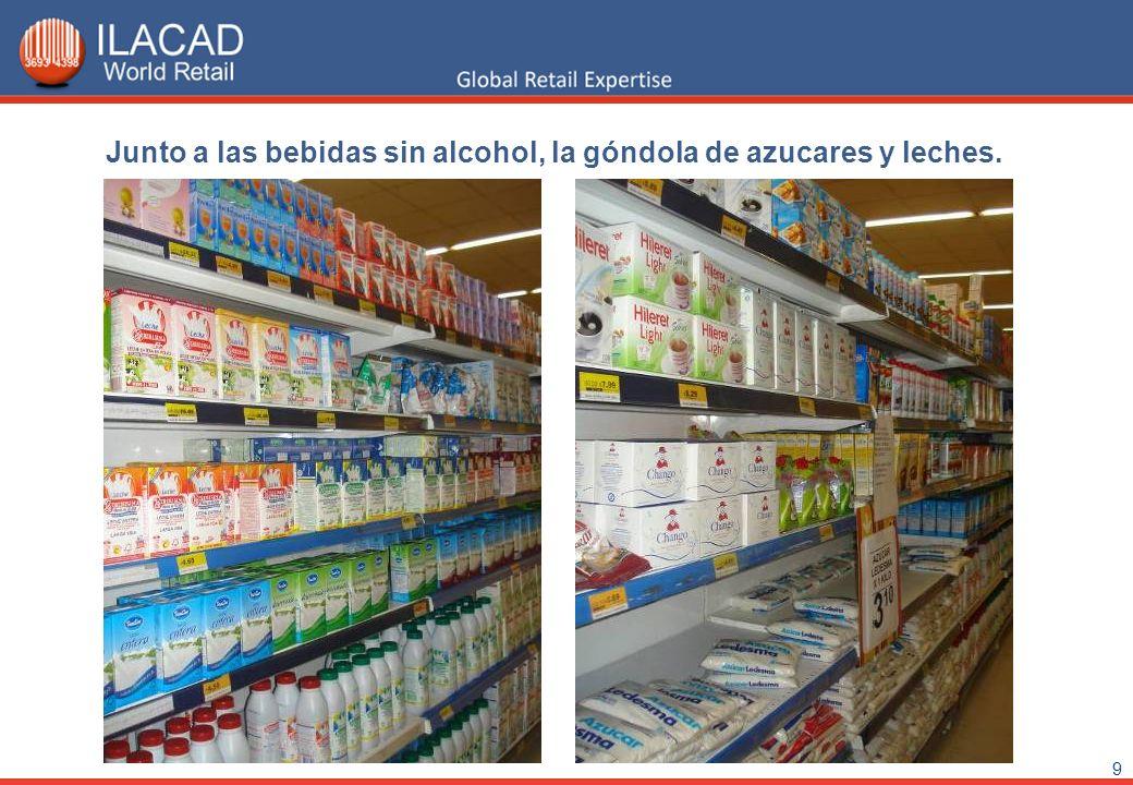 9 Junto a las bebidas sin alcohol, la góndola de azucares y leches.
