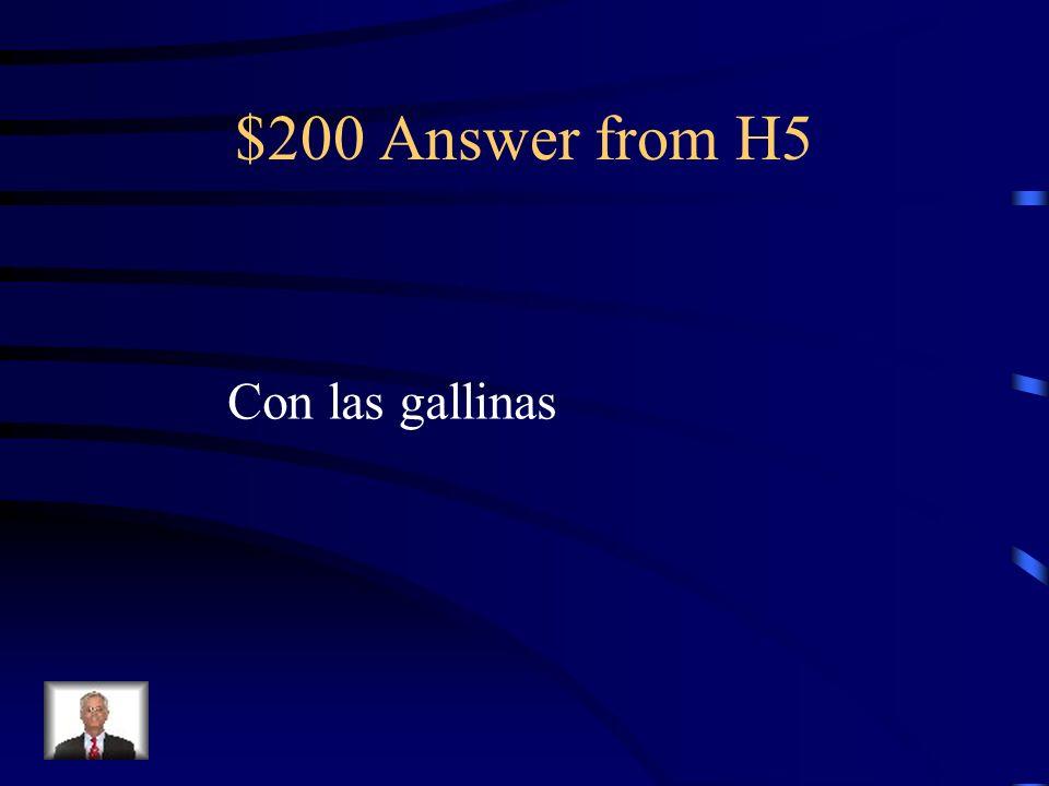 $200 Question from H5 ¿Con qui é nes habla Adela cuando se pone el vestido verde?