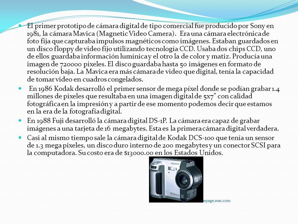 El primer prototipo de cámara digital de tipo comercial fue producido por Sony en 1981, la cámara Mavica (Magnetic Video Camera).