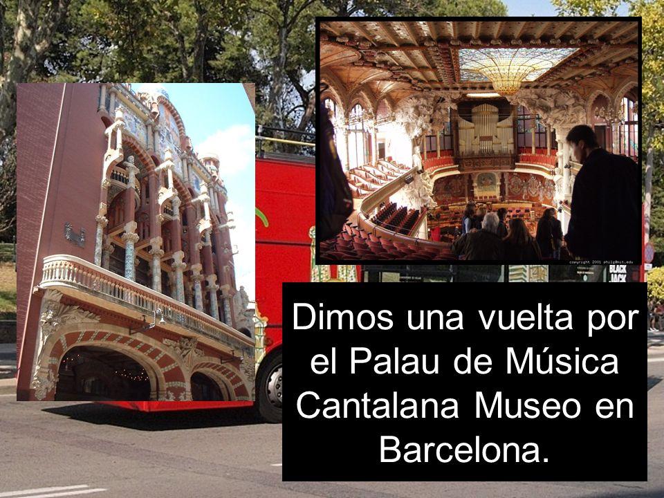 Dimos una vuelta por el Palau de Música Cantalana Museo en Barcelona.