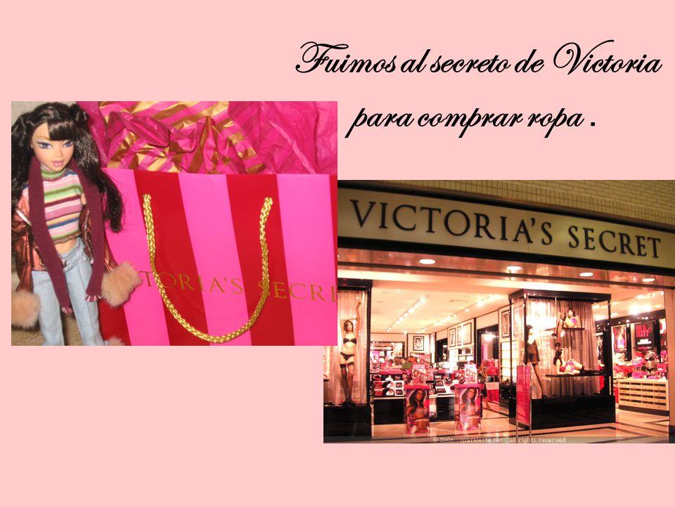 Fuimos al secreto de Victoria para comprar ropa.